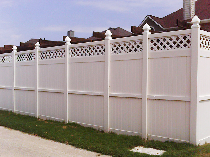 Professional Vinyl Fencing - Corinth, Texas