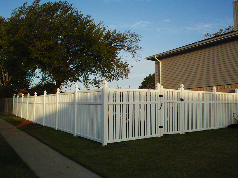 Professional Vinyl Fencing - Denton, Texas