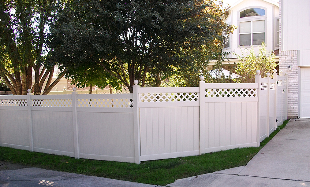 Professional Vinyl Fencing